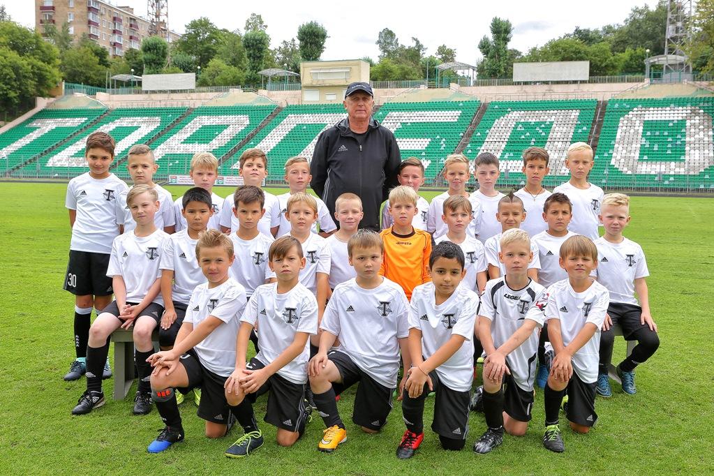 Немецкие футбольные детские команды