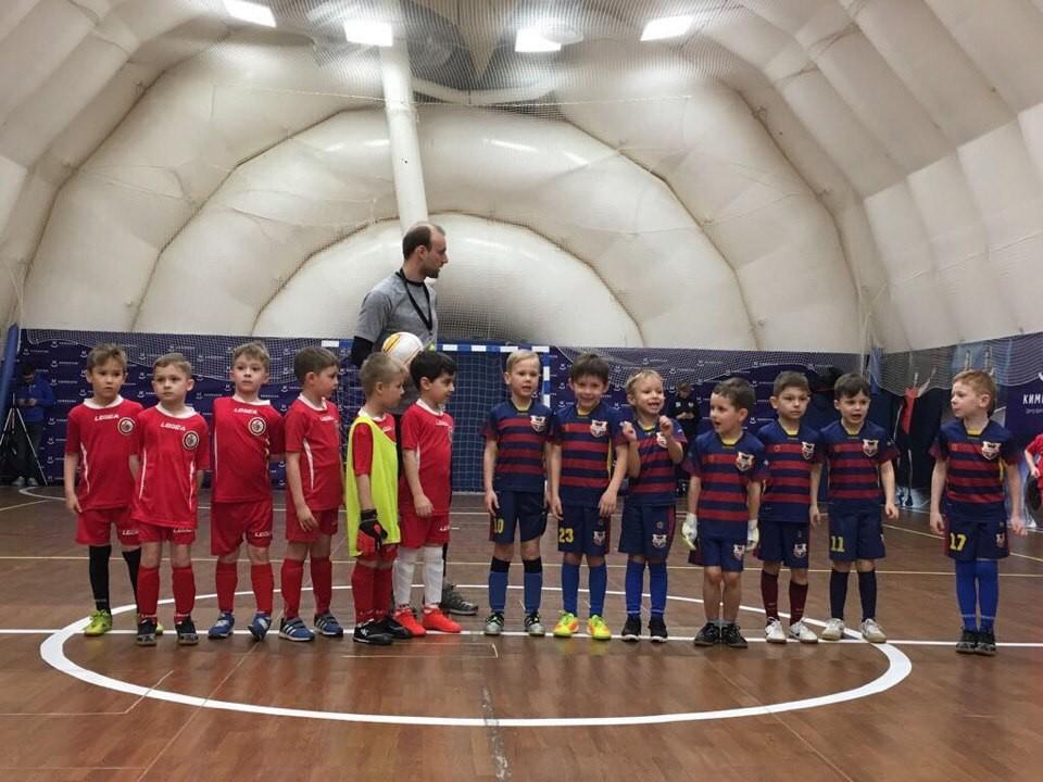 Футбольный клуб для девочек в москве клуб стриптиз аниме
