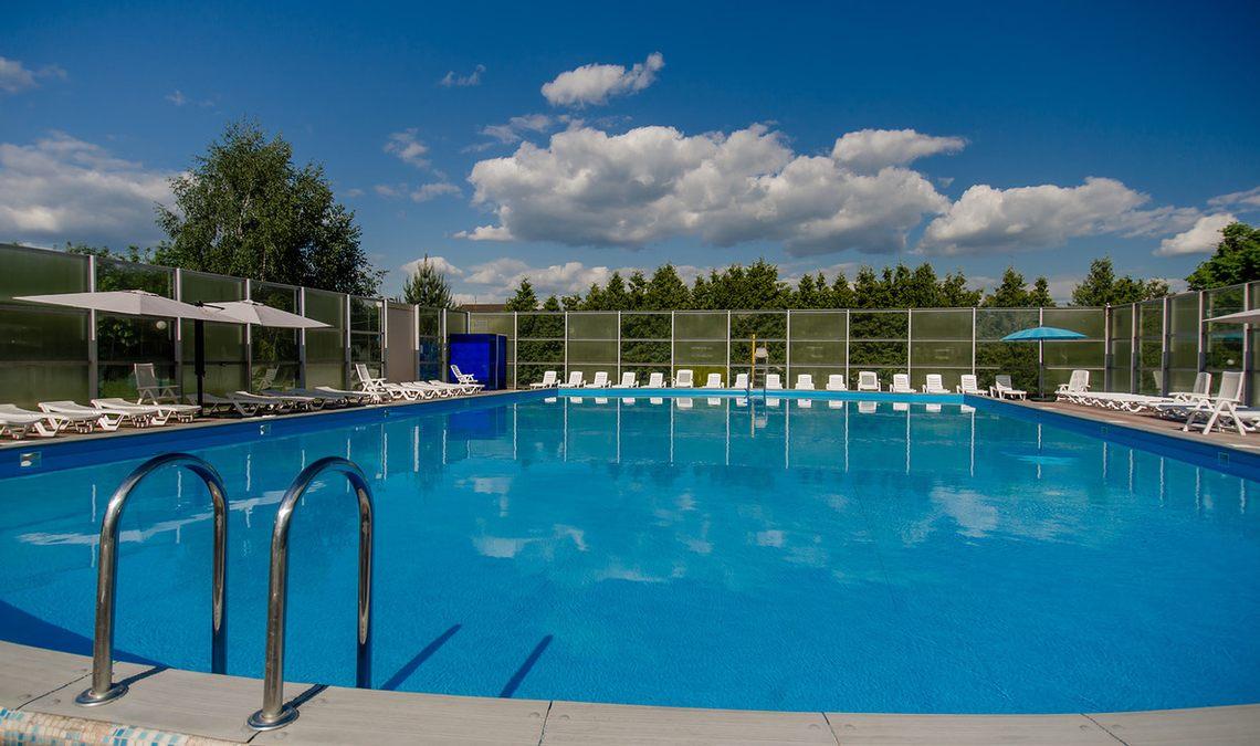 загородные клубы москвы и подмосковья с бассейном